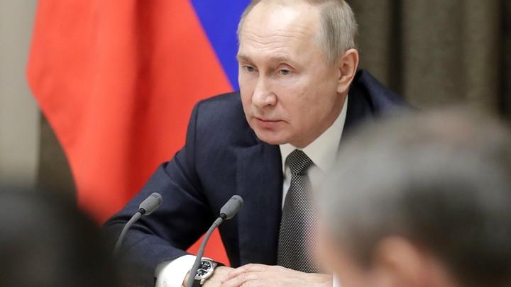Потом расскажу: На встрече в Сочи Путин подшутил над запутавшимся в аудиотехнике немцем