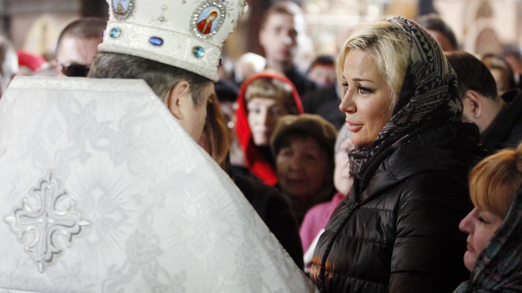 Минюст Российской Федерации потребовал закрыть фонд уехавшей вгосударство Украину Максаковой