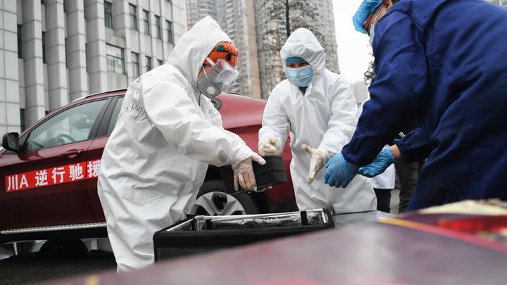 Погуляли всего сутки: Группа китайских туристов попыталась сбежать от полиции и врачей в Москве