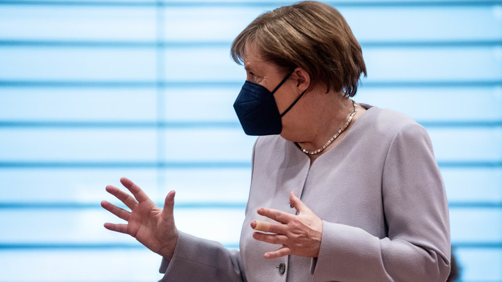 Меркель отправили киевское приглашение на саммит по Крыму