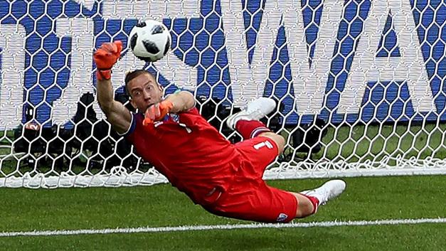 Куда катится футбол: Вратарь, отбивший пенальти Месси, будет играть в азербайджанском «Карабахе»