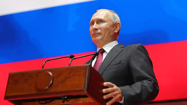 Путин лишил Россию демократии. И слава Богу