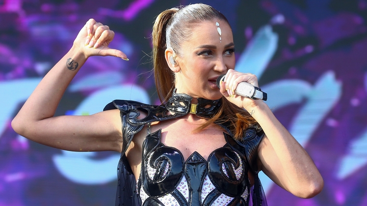 Бузова рассказала, куда потратила деньги за участие в шоу Х-Фактор в Беларуси