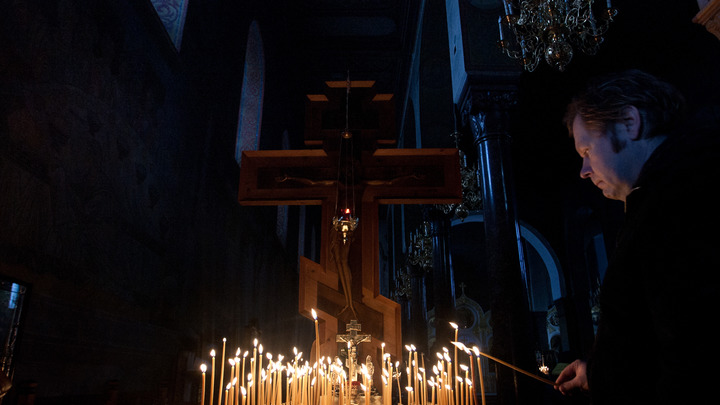 Православные христиане празднуют День крещения Руси