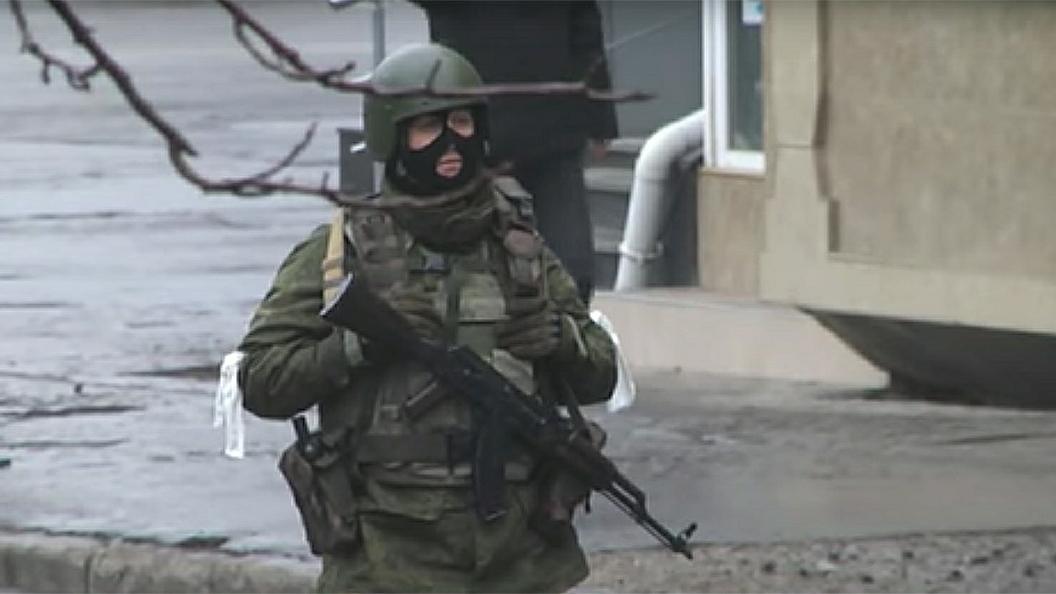 В Луганске силовики взяли штурмом здание гостелерадиокомпании ЛНР