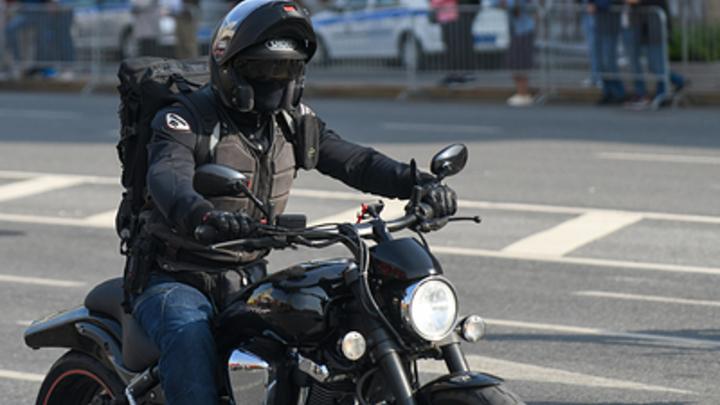 Смертельное ДТП с мотоциклистом в Бердске попало на видео