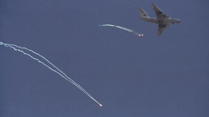 Раздался взрыв, стюардесса кричала: Пассажиры рассказали о спасении после жёсткой посадки в Подмосковье