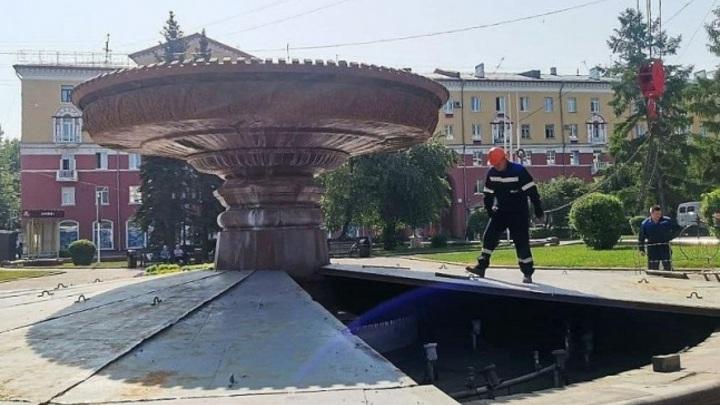 В Кемерове начали консервировать городские фонтаны