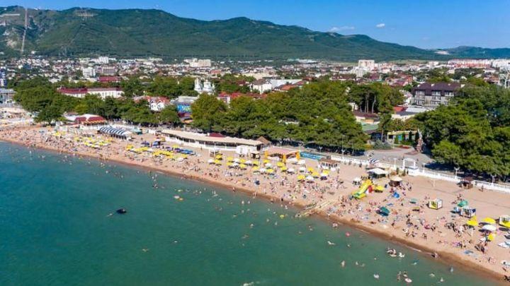 С начала года на курортах Краснодарского края отдохнули более 12,4 млн туристов