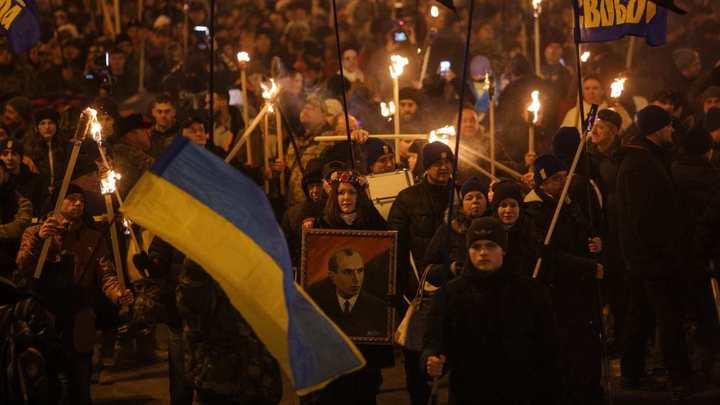 Киев: С факелами против Русского Мира