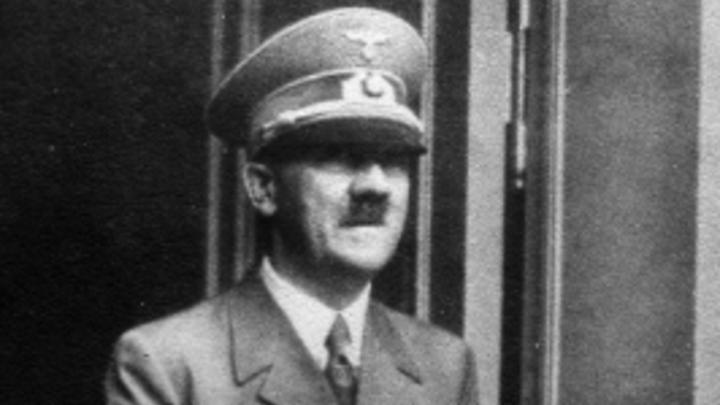 Гитлера спасли омоложение и двойник? Беглец-фюрер перенес пластическую операцию - Daily Star