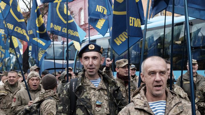 В лагере под Киевом Азов учит детей не быть русскими