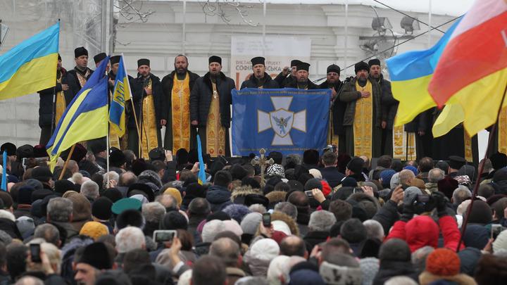 15 епископов Украинской Православной Церкви заставили подписать верительные грамоты Симеону. Видео