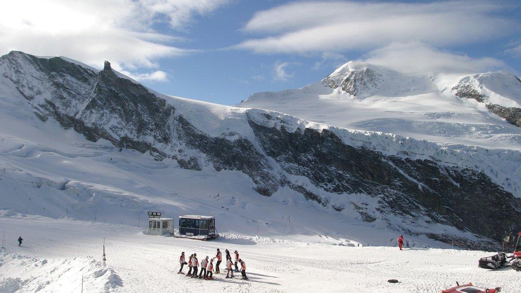 СМИ раскрыли обстоятельства гибели супругов, пропавшихв Альпах 75 лет назад