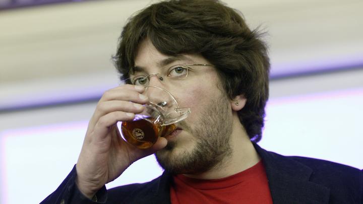 Артемий Лебедев объявил  орешении покинуть Российскую Федерацию
