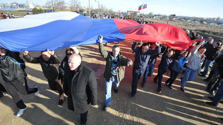Навеки с Россией: Крым вернулся домой, но украинское наследие до сих пор выветривается