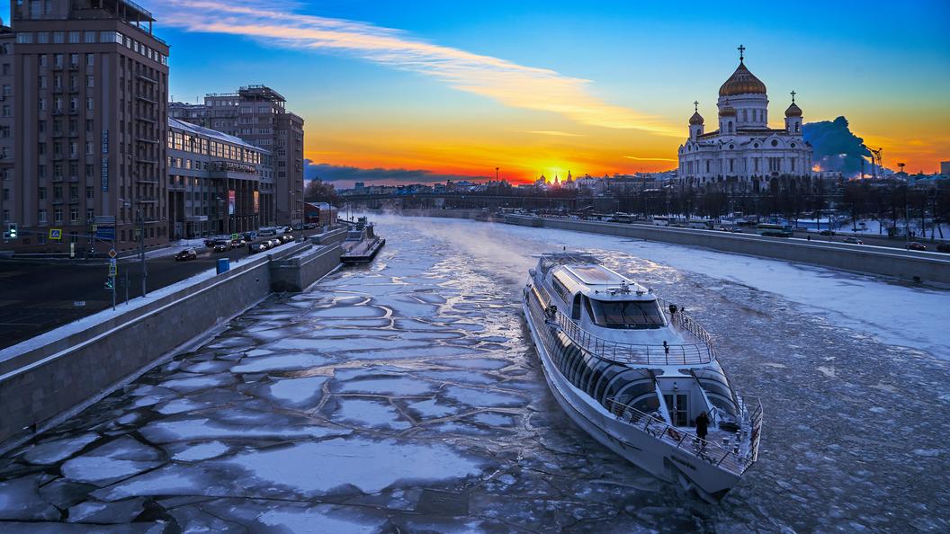 Москвичам обещали первую весеннюю грозу и самый теплый день недели