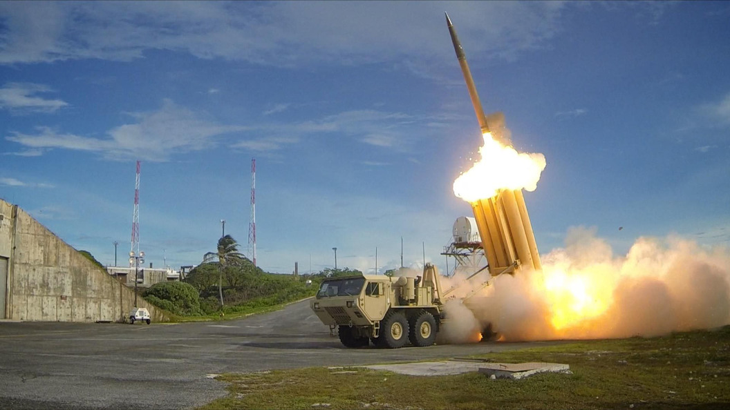Американские военные перехватили системой THAAD ракету на Аляске
