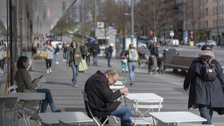 Тысячи жизней стариков - плата за особый путь Швеции? Немецкие СМИ опубликовали пугающие цифры
