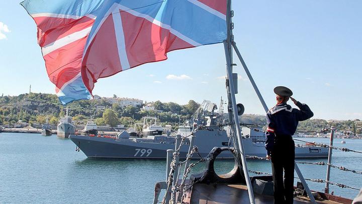 Пистолет у виска вероятного противника: Военные дали ответ либералам о присоединении Крыма