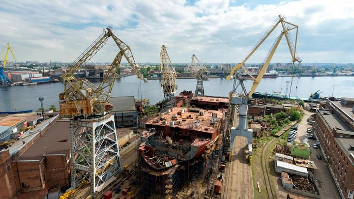 На Балтийском заводе при строительстве ледокола «Сибирь» погиб рабочий