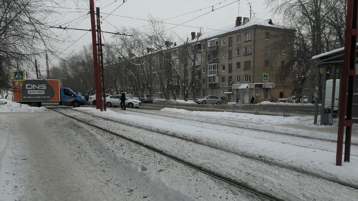 В Челябинске женщина два раза попала под трамвай