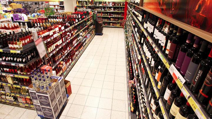 Тайник зеленого змия: Депутат хочет спрятать алкоголь от покупателей