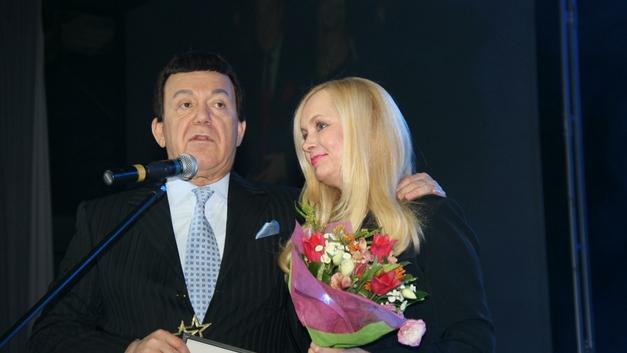 По стопам вдовы Караченцова: Вдову Кобзона осудили за веселую вечеринку во время траура - фото