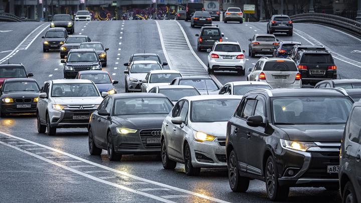 Автомобилистов никто спрашивать не будет: Автоэксперт о принудительной либерализации ОСАГО