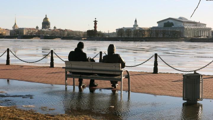 Летний туристический сезон в Петербурге откроет фестиваль ледоколов и буксиров