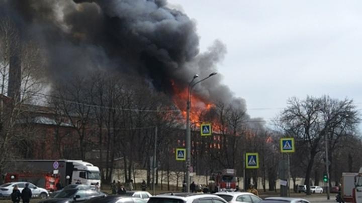 Требования пожарных игнорировали семь лет: Суд оштрафовал владельца сгоревшей Невской мануфактуры