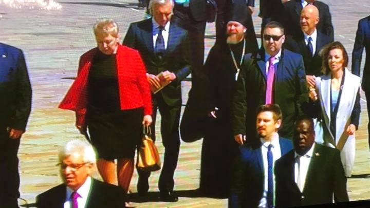 В одном кадре: На инаугурацию Путина прибыли епископ Егорьевский Тихон, Федор Бондарчук и Никита Данюк