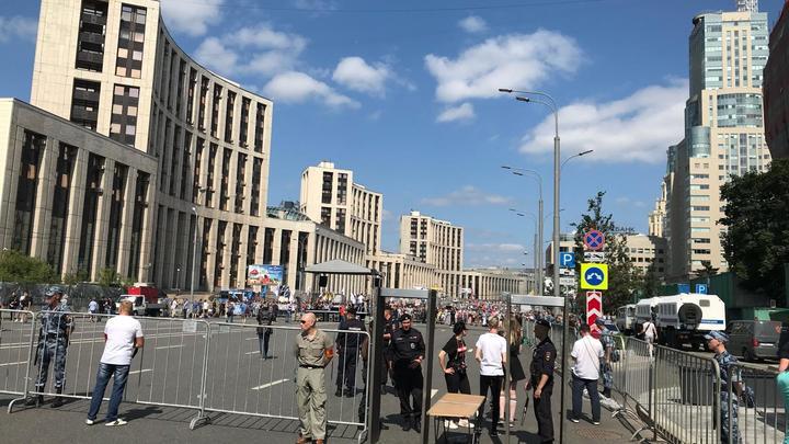 «У меня крутые стикеры с вами, но нет»: Либертарианцы «отсеяли» прессу для митинга в Москве