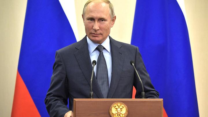 Владимир Путин призвал помочь Сирии перейти к мирной жизни