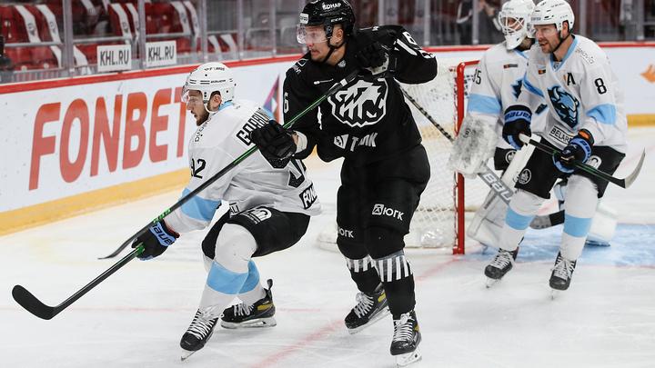 Хоккеисты Трактора в Челябинске проиграли минскому Динамо с разгромным счетом