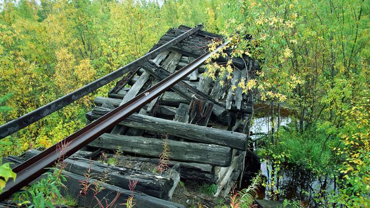 Мосты рушатся, мосты сдают на металлолом: Кто несёт ответственность за  дорожную сеть России?