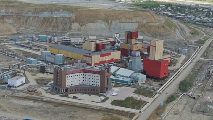 Глава МЧС Пучков: Всем шахтерам рудника Мир дадут зарплату