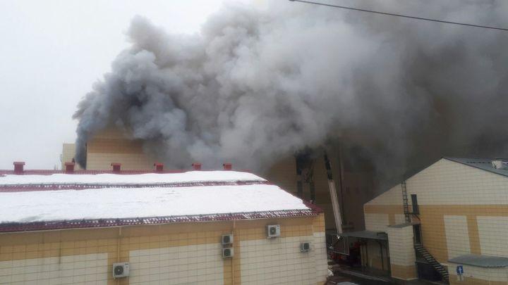 Всем наплевать всегда - сын гендиректора сгоревшего ТЦ в Кемерово винит в пожаре страну