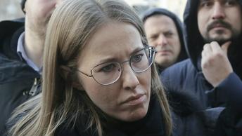 Поклонская призвала снять Собчак с выборов за неуважение к крымчанам