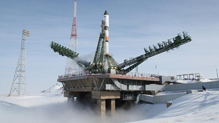 В центре Казани ко Дню космонавтики запустили ракету-носитель - видео