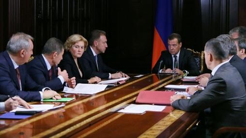 Правительство Медведева не способно выполнить поручение президента