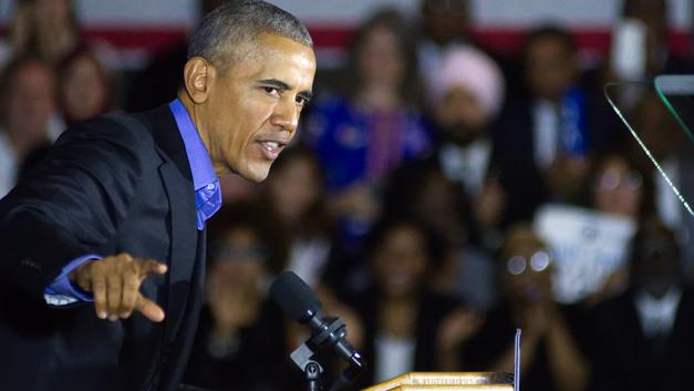 Обама отчитал Трампа за выход из соглашения о ядерной программе Ирана