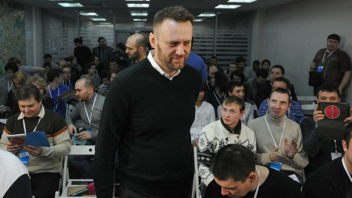 «Расследование» Навального напомнило эксперту анекдот о Сталине с Рокоссовским и любовнице