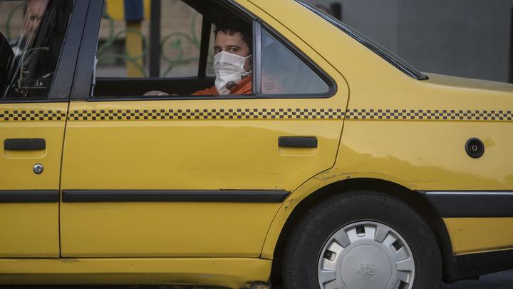 Маму с детьми вытолкали из такси в Геленджике за песню: Все чемоданы разбросали по трассе