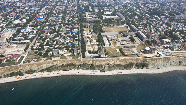 Роспотребнадзор запретил купаться на двух главных курортах Кубани