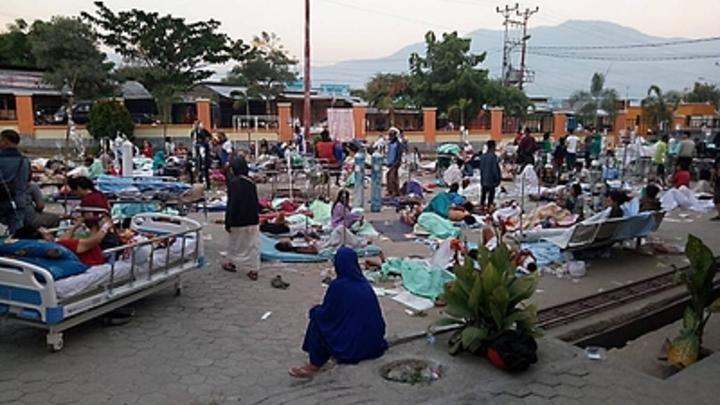 Приближается к тысяче: Число погибших в Индонезии от землетрясения увеличилось вдвое