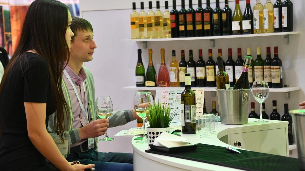 Чиновники в Санкт-Петербурге хотят запретить полулегальную схему продажи алкоголя