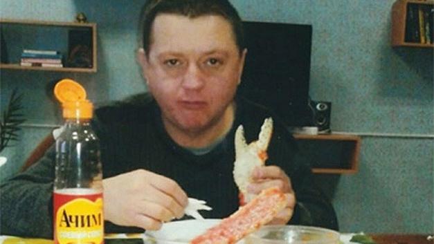 Цеповяз и крабы: СМИ нашли поставщика деликатесов осужденному члену банды Цапка