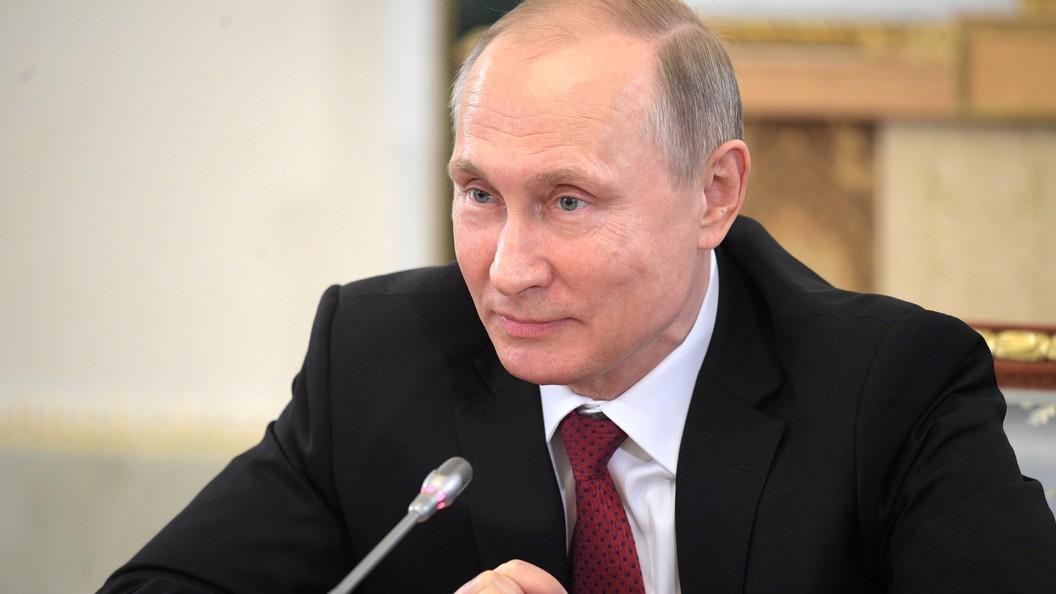 Путин поздравил президента Таджикистана с Днем национального единства