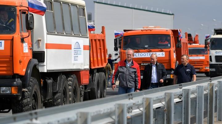 Призывать взрывать мост имени Путина могут только неполноценные дебилы - Виктор Баранец